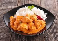 Chicken Thai curry with steamed rice