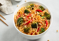 Stir Fried Noodles with Veggies, Chickpeas and Soya Sauce
