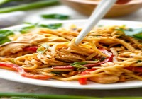 Rice Noodles with Chicken and Vegetable